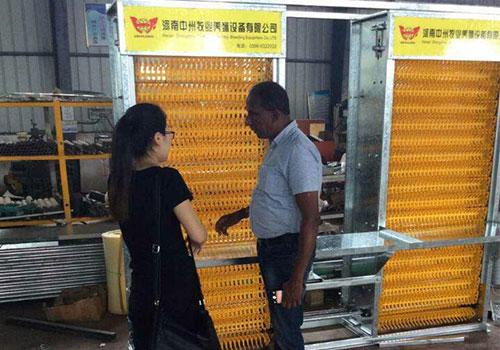 клиент из Шри-Ланки интересовался системой сбора яйц